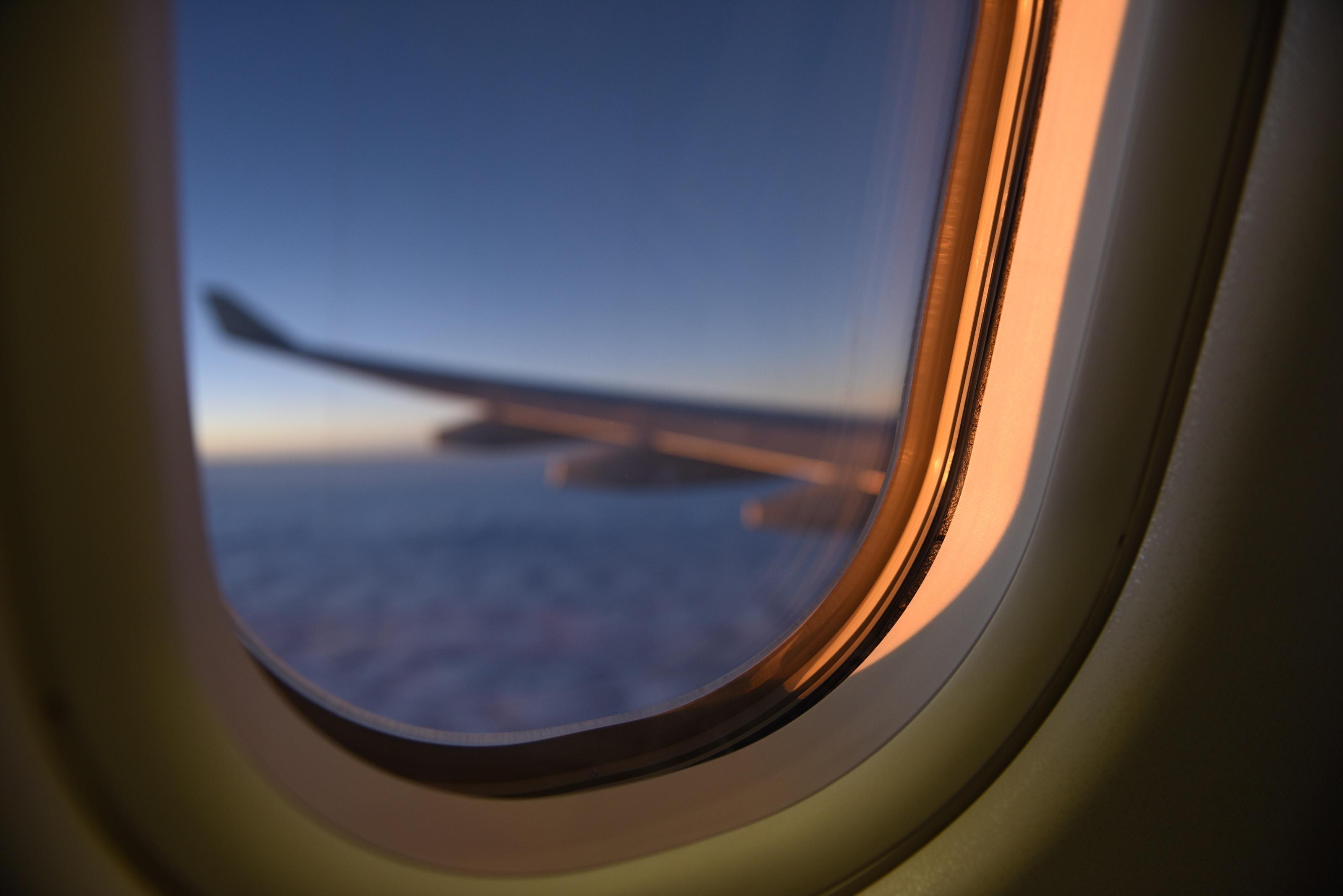 Check-In: Flugzeug-Fenster
