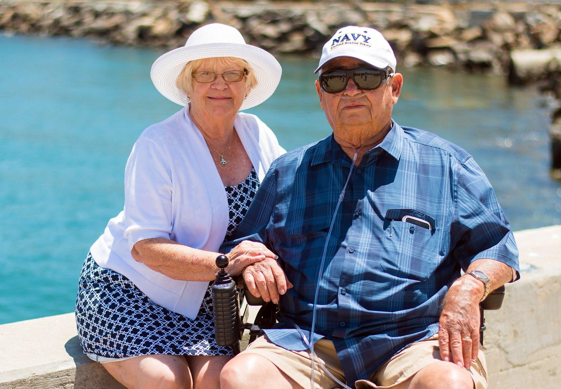 Senioren auf Kreuzfahrt