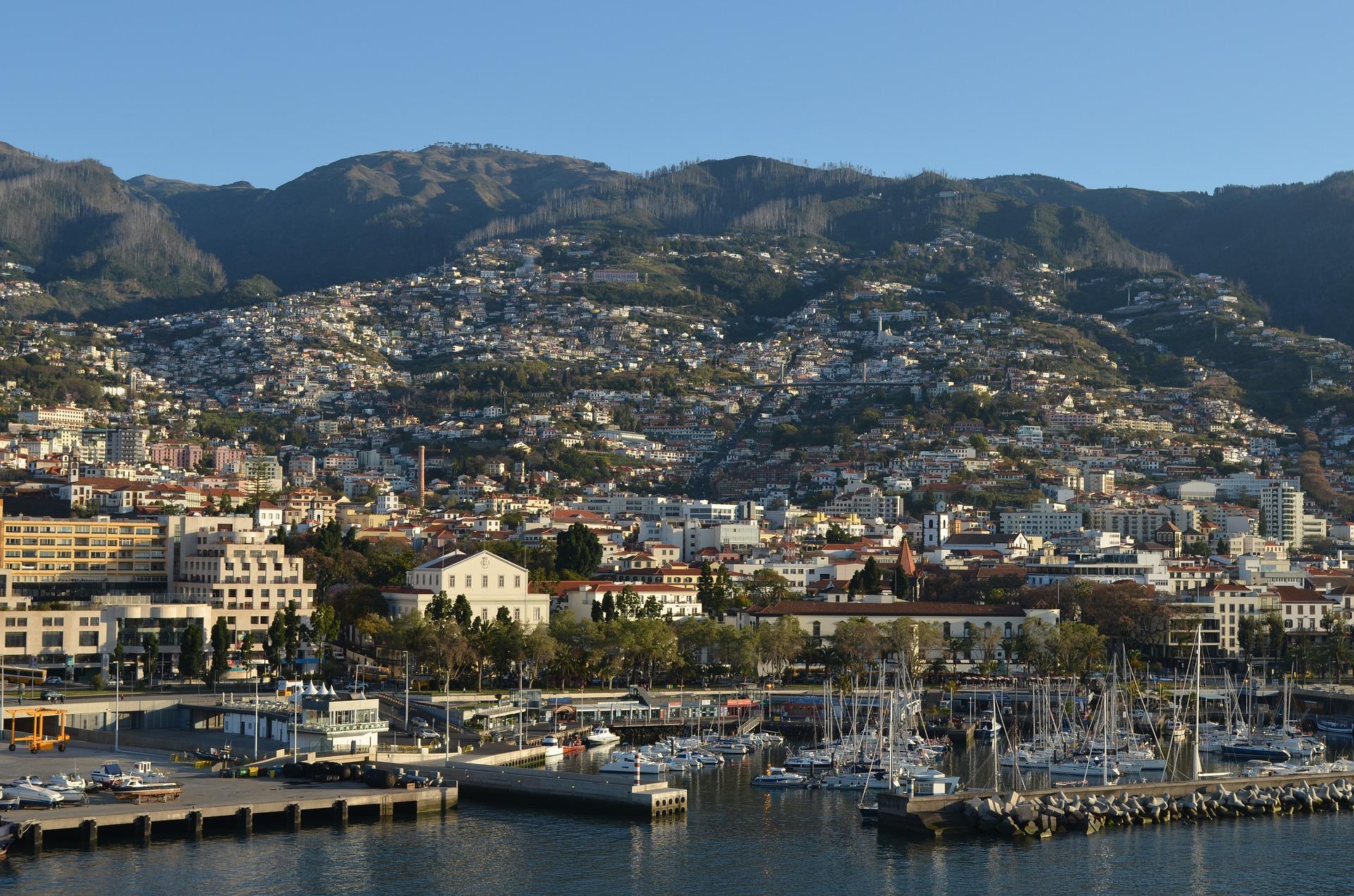 Funchal - der Hafen von Madeira